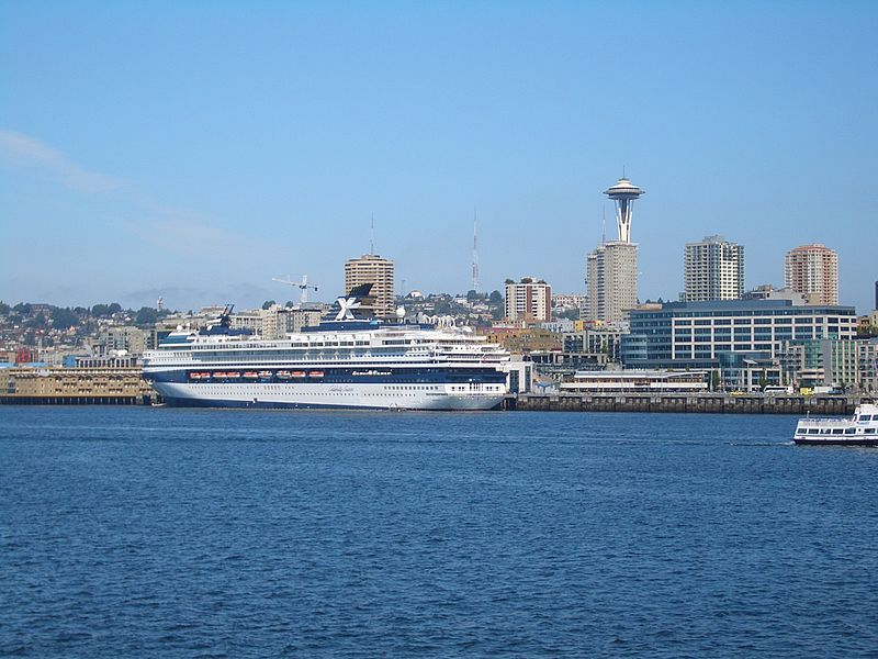 Файл:Seattle-waterfront-with-a-cruise-liner-2186.jpg
