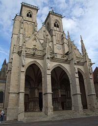200px-Semur_-_Notre-Dame_-_Facade