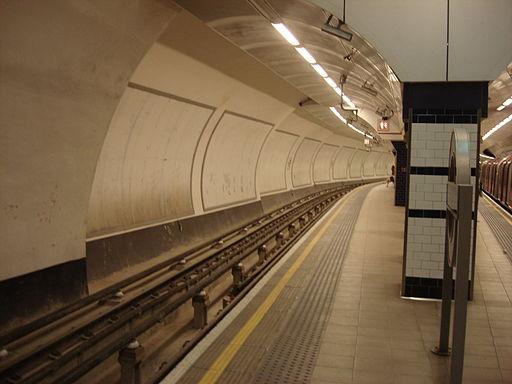 Shepherds Bush tube station 041