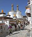 Shigatse-Tashilhunpo-34-innerer Pilgerweg-Stupas-2014-gje.jpg