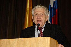 Peter Hall (urbanist) - Peter Hall at Pontificia Universidad Católica de Chile
