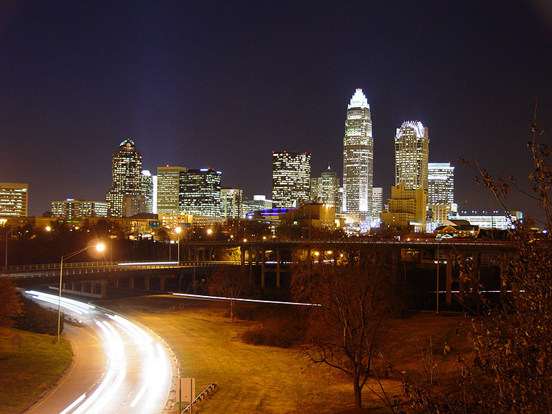Ficheiro:Skyline of Charlotte, North Carolina (2005).jpg