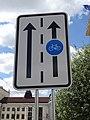 Smetanovo náměstí, značka cyklistického pruhu.jpg