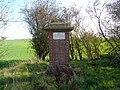 Stèle de la boîte à Cailloux10.jpg