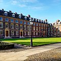 St Catharine's College Main Court in Sunshine.jpg