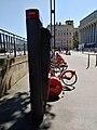Station Vélo'v 5006 quai Romain Rolland 2 (août 2019).jpg