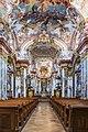Stift Wilhering Kirche Innenraum 02.jpg