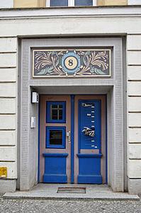 Stralsund, Fährstraße 8, Tür (2012-03-11), by Klugschnacker in Wikipedia.jpg