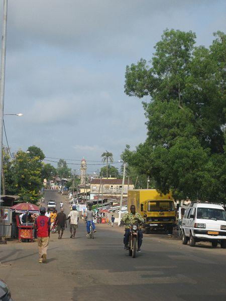 File:Street in Kara.jpg