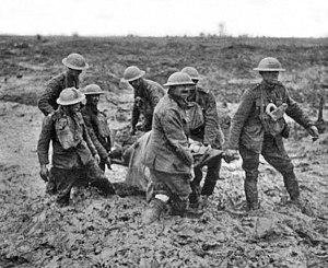 Transportando cuerpos, Passchendale, Agosto 1917