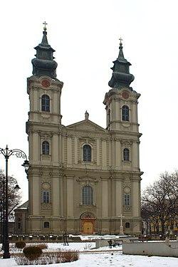 Subotica, Trg žrtava fašizma, katedrála svaté Terezie avilské.jpg