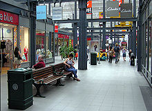 Swindon.shopping.arp.750pix.jpg