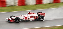 Photo de Takuma Sato sur SA07 en test à Barcelone en 2007