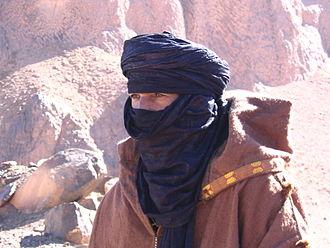 Indigo dye - Man wearing an indigo-dyed tagelmust