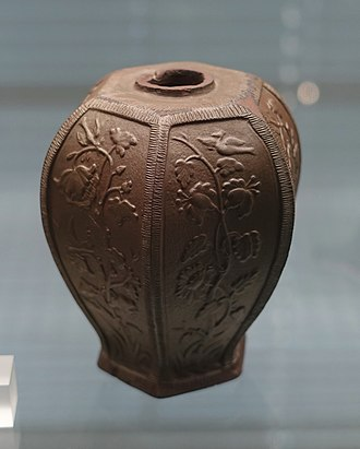 Stoneware - Image: Tea caddy, Meissen, c. 1710, brown Bottger stoneware Germanisches Nationalmuseum Nuremberg, Germany DSC02613
