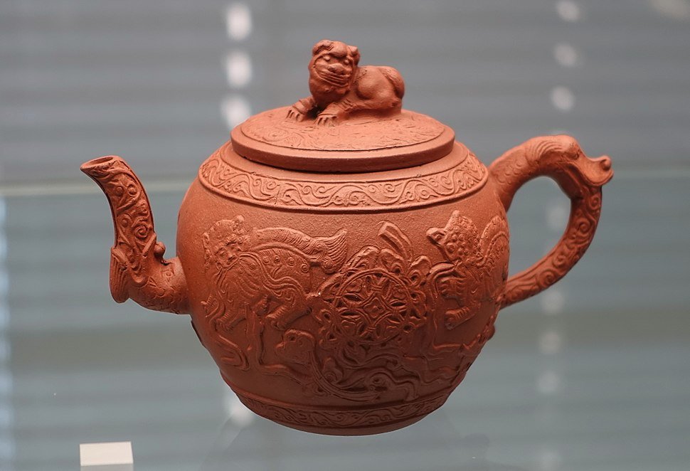 Teapot, England, probably early 1700s, red stoneware - Germanisches Nationalmuseum - Nuremberg, Germany - DSC02617