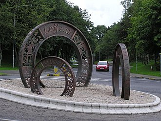 Lifford - Image: Three Coins sculpture, Lifford geograph.org.uk 1410975