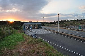 Subic–Tipo Expressway - Tipo toll plaza
