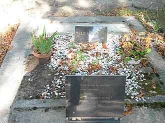 Félix Guattari - Grave of Guattari at Père Lachaise Cemetery, Paris