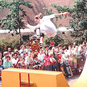 Hawk skating in 1987 Tony Hawk ollie.jpg
