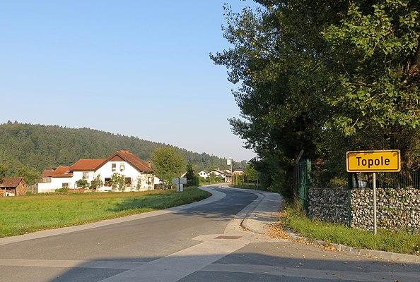 Topole, Mengeš