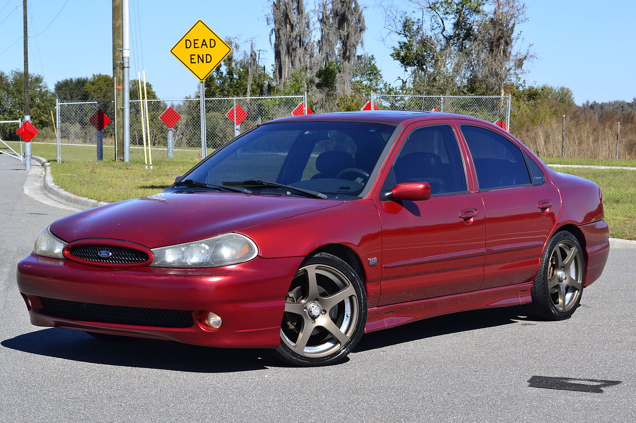 File:Toreador Red 1998 Ford Contour SVT 1.JPG - Wikimedia Commons