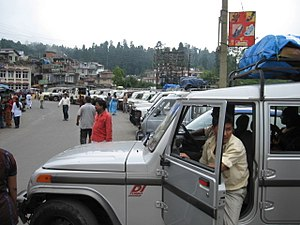 Mirik - Tourist vehicles at Mirik.