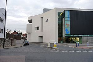 Towner Gallery - Image: Towner Contemporary, Eastbourne (6849836834)