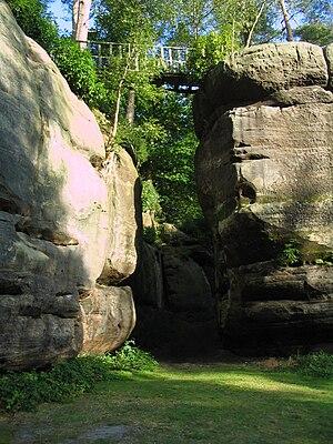 High Rocks - Image: Tunbridge Wells High Rocks big chasm
