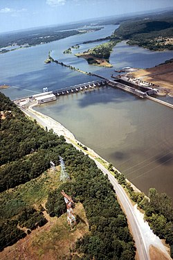 USACE Webbers Falls Lock and Dam.jpg