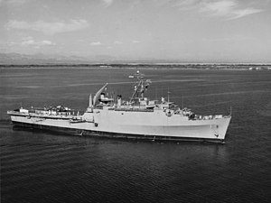 USS Raleigh (LPD-1) underway in Guantanamo Bay, Cuba, on 1 February 1963 (NH 107694).jpg
