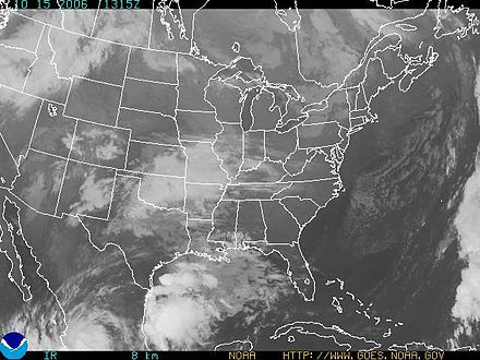 IR Satellite picture taken 1315 Z on 15th October 2006. A frontal system can be seen in the Gulf of Mexico with embedded Cumulonimbus cloud. Shallower Cumulus and Stratocumulus can be seen off the Eastern Seaboard. US IR satpic.JPG