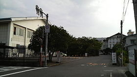 Uenogaoka High School Entrance.JPG