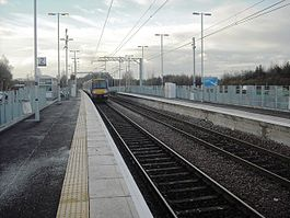 Uphall railway station - Geograph-2176901-by-Jim-Smillie.jpg