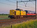 V100 - RRF - Lok 20 en Lok 29009 HHPI in opzending - ter hoogte Driebruggen-Hekendorp (18691358006).jpg