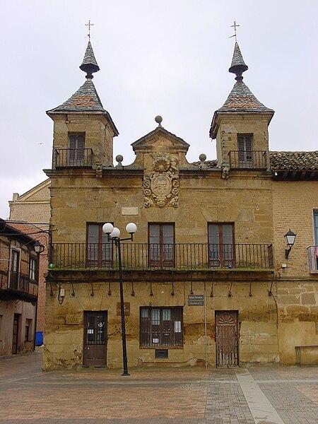 File:Valderas Correos antiguo Consistorio lou.jpg