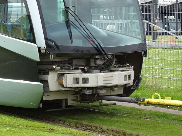 Valenciennes & Anzin - Déraillement de la rame de tramway n° 17 à la sortie du dépôt de Saint-Waast le 11 avril 2014 (116).JPG