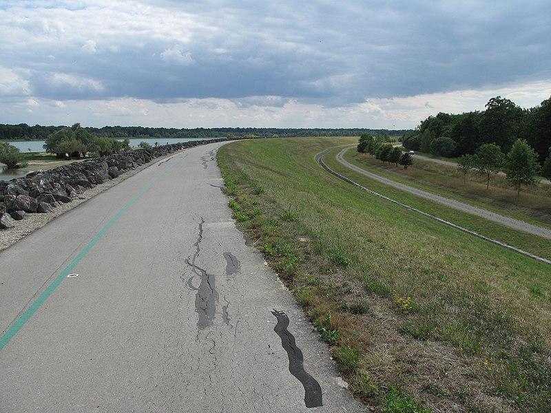 "The bikeway ""vélovoie des lacs"" riding frome port-Dienville to Troyes (Aube, France)."
