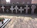 Venray Oirlo, Rijksmonument 37225 St.Gertrudiskerk oude grafkruisen op kerkhof.JPG