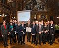Verleihung des GDCh-Preises für Journalisten und Schriftsteller an die Redaktion Chemie der Wikipedia (Tobias Schwerdt).jpg