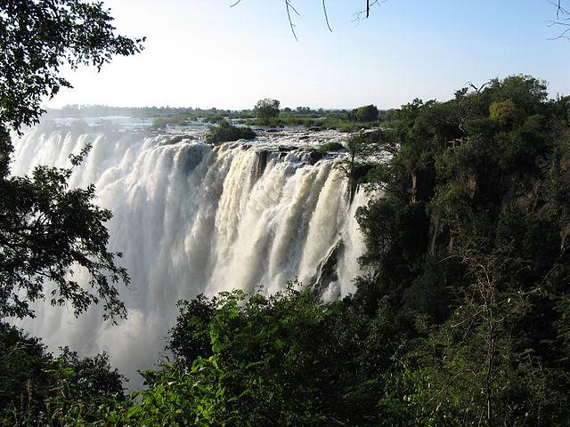 File:Victoria falls, zambia.jpg - Wikimedia Commons