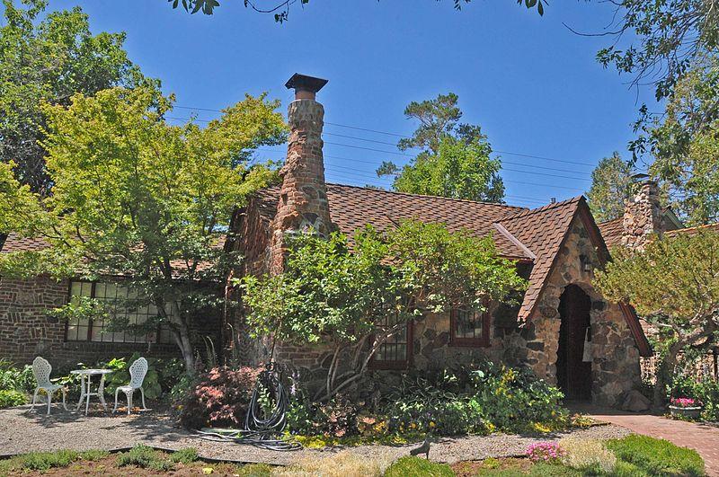 File:W. E. BARNARD HOUSE, RENO, WASHOE COUNTY;.jpg