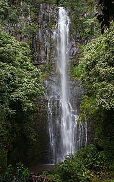 Waterfalling over a sheer rock face (8017246720).jpg