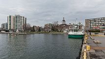 Waterfront, Kingston, East view 20170416 1.jpg