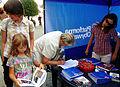 Wolontariusze zbierają podpisy popracia dla Platformy Obywatelskiej w Ornecie (6055789131).jpg