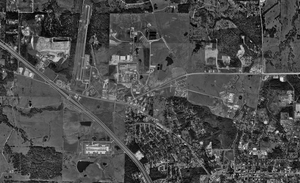 Wynne Unit - Aerial photograph of the Wynne, Holliday, and Byrd units, and the Huntsville Municipal Airport - U.S. Geological Survey - January 23, 1995