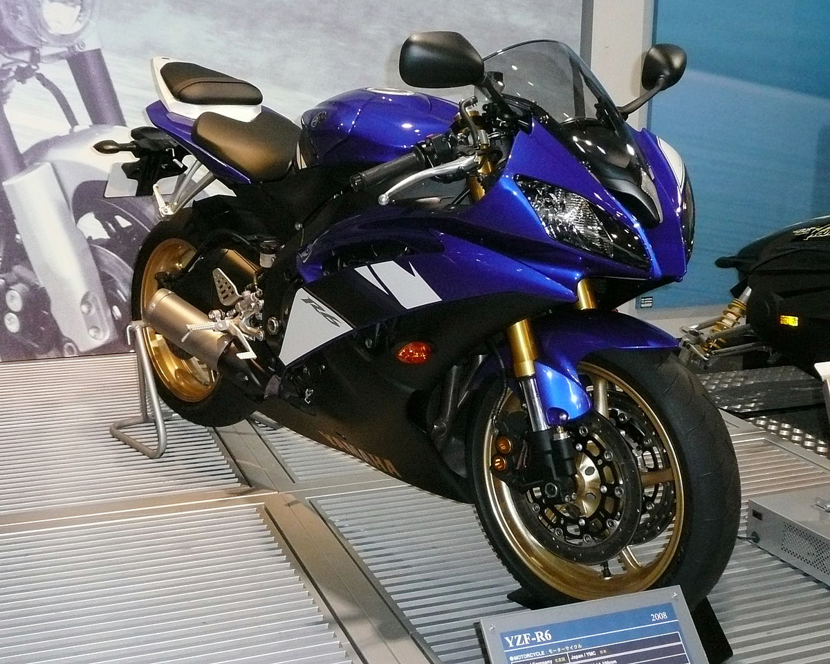 Yamaha R Shorty Exhaust