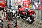 Yamaha XS 750 (re.) u. Kreidler-Eigenbau (Foto Sp).JPG