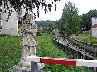 Socha svatého Jana Nepomuckého na mostě přes Řeznou
