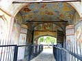 Ансамбль Кирилло-Белозерского монастыря; Святые ворота с казенной кельей и надвратной церковью Иоанна Лествичника 02.jpg